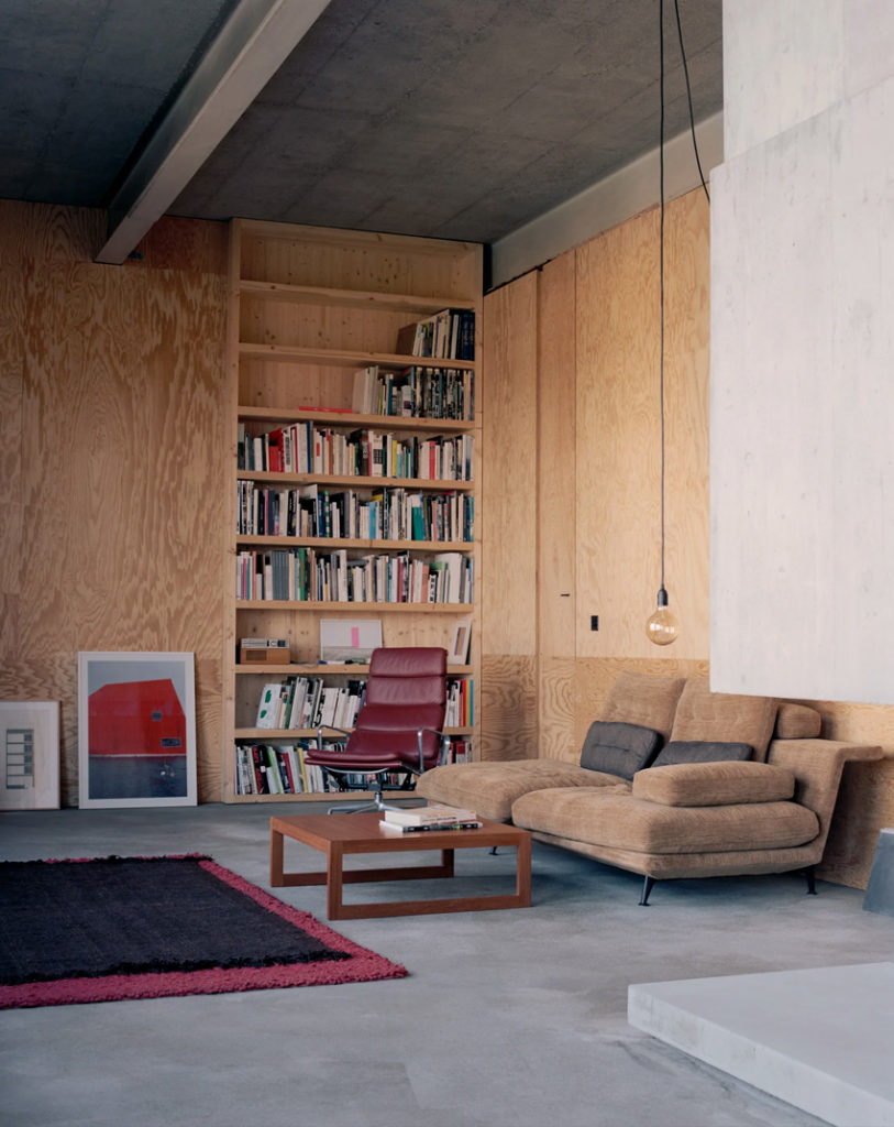 Maison d'architecte en béton, brutaliste, inspiration Paulo Mendes da Rocha.