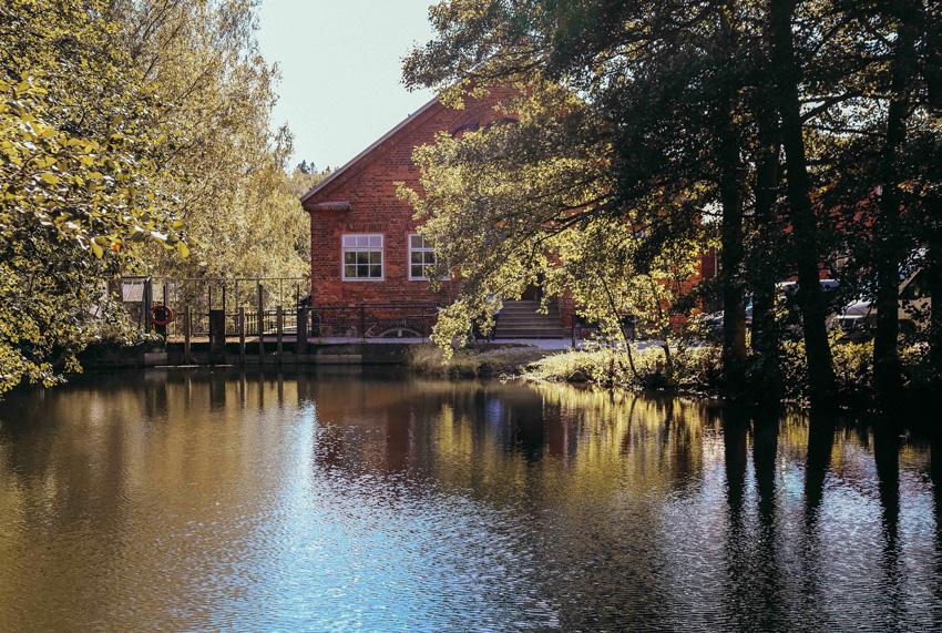 Fabrique Nikari, fabricant de meubles en bois en Finlande.