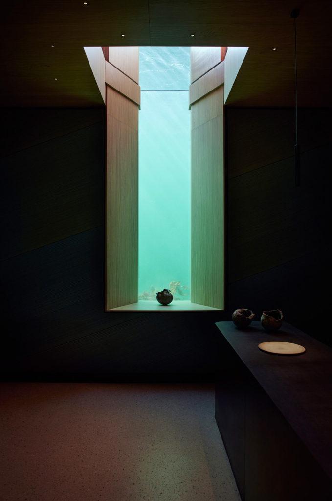 Under, Restaurant sous-marin en Norvège - Fenêtre sur mer, jeu de marée